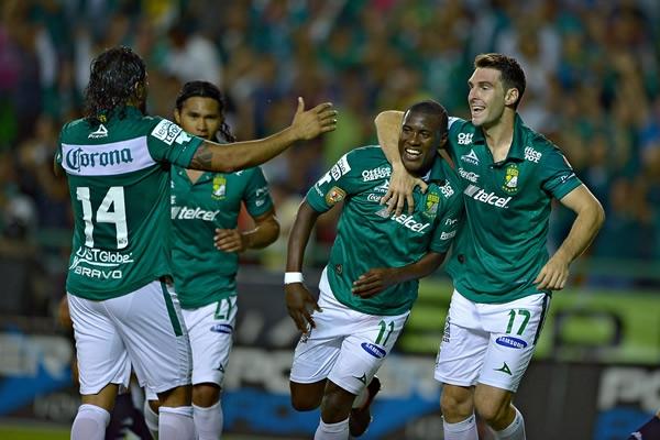Caicedo celebra su primer gol en México