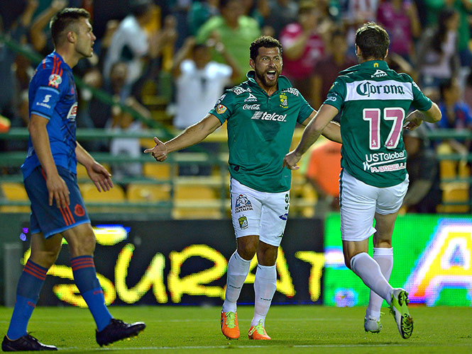 Sabah, León 2-1 Chivas